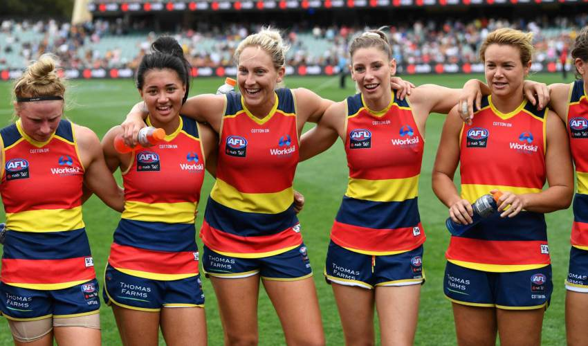 Crows surge into AFLW grand final with… - news of today
