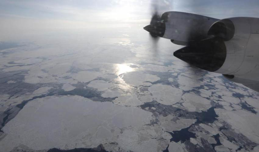 Greenland ice melt reaches 'tipping point' - news of today