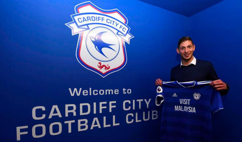 Emiliano Sala was on missing plane, French officials say - news of today