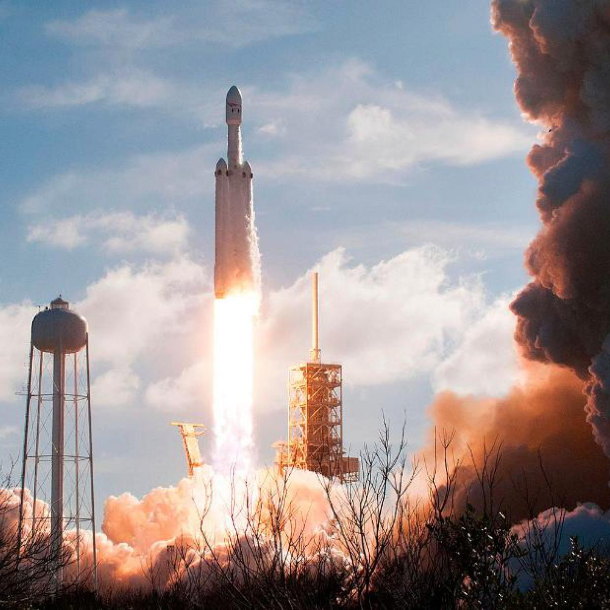 spacex falcon heavy launch today - HD1200×1200