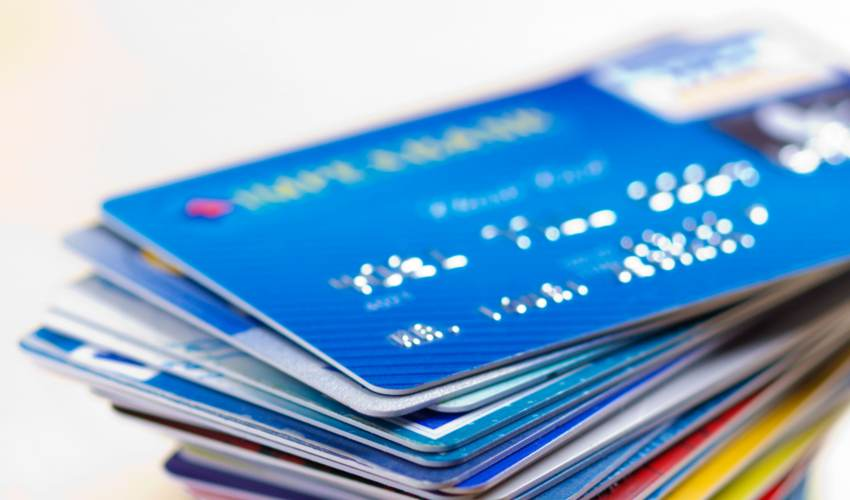 Credit card holders at JPMorgan rush to cash in… - news of today