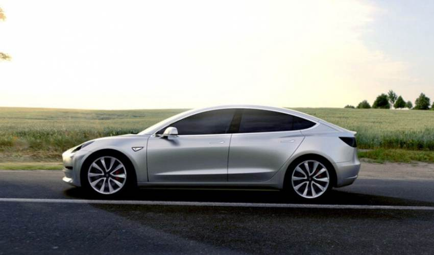 Tesla reports bruising first-quarter loss of… - news of today