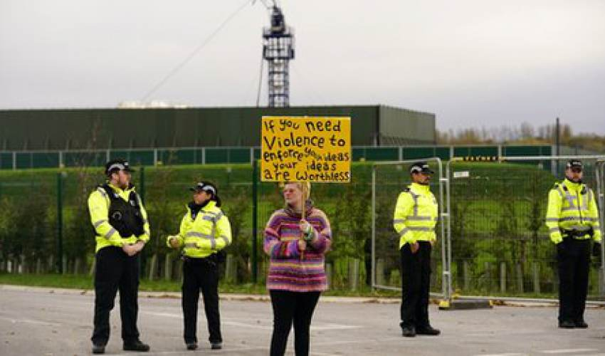 Experts call for review of quake limits on UK fracking - news of today