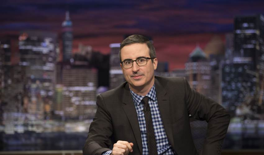 John Oliver criticizes Jay Leno for wanting… - news of today